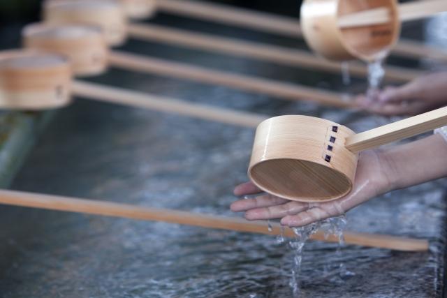 神社の手水舎の画像