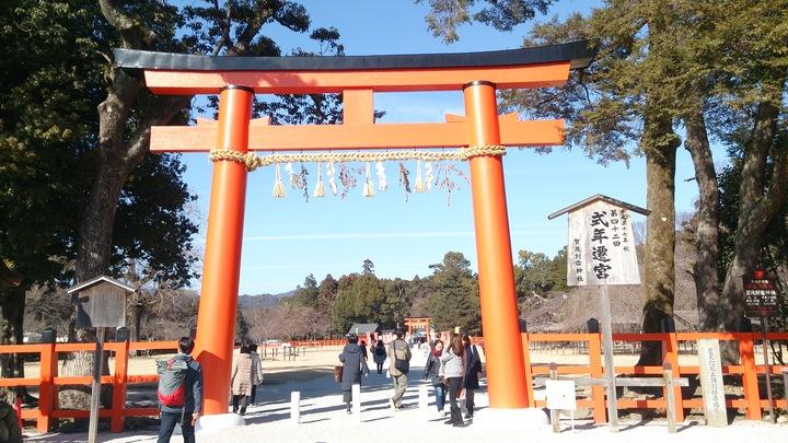 上賀茂神社の鳥居の画像
